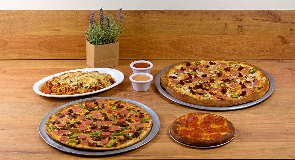 Pizza al gobernador con el sazón de Návola Restaurant