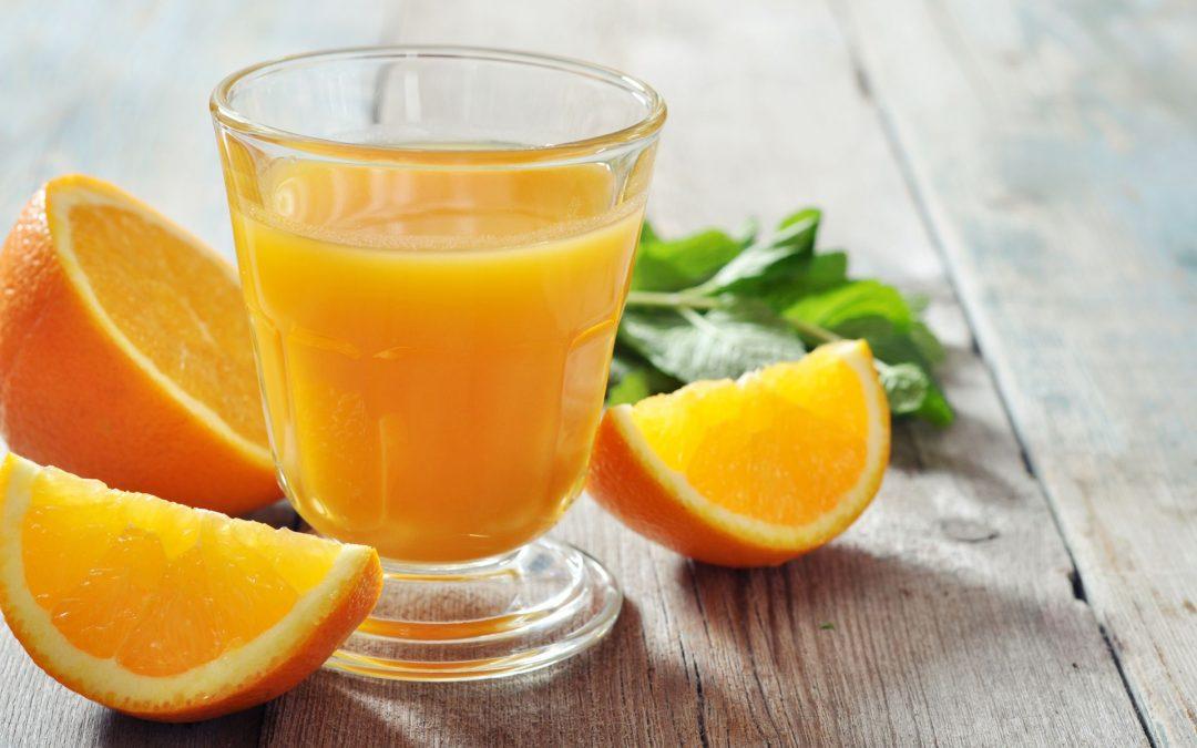 Descubre lo saludable que es tomar jugo de naranja